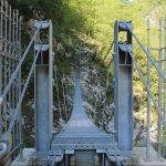 Riapre la Vecchia Strada della Valcellina con il ponte tibetano