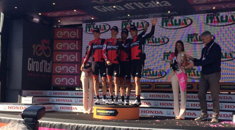 Il Giro d'Italia approda in Friuli Venezia Giulia. Nairo Quintana in rosa. Le foto