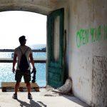"""Il cortometraggio """"Aut Out"""" sul rapporto tra giovani, società e mondo"""