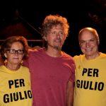 Niccolò Fabi e la famiglia Regeni sul palco di Onde Mediterranee Festival