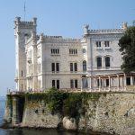 Miramare, luglio record: 27mila visitatori. Progetto per un treno storico da Trieste