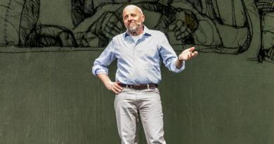 """Ad inaugurare la stagione del Rossetti """"Le avventure di Numero Primo"""" di Marco Paolini"""