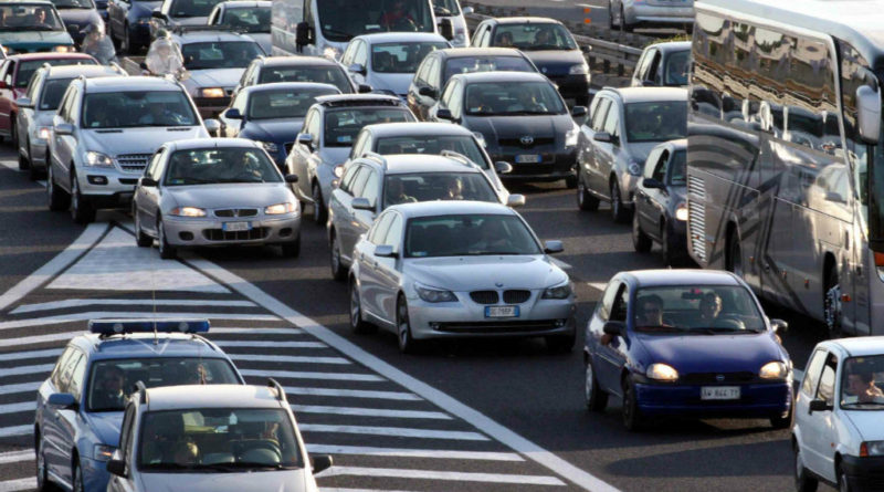 Settimana lunga di feste e ponti, traffico in aumento: le tabelle di Autovie