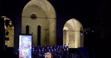 A Udine Padre David Maria Turoldo vive per i giovani attraverso parole e musica
