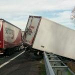 Incidente tra mezzi pesanti in A4, tratto chiuso tra Portogruaro e Latisana