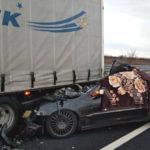 Si schianta contro un camion fermo in A4, muore giovane alla guida di un'auto