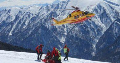 Bimbo di nove anni si scontra con un altro sciatore a Piancavallo e riporta gravi traumi