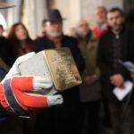 """""""Pietre d'inciampo"""" per ricordare le famiglie deportate. A Trieste in vista della Giornata della Memoria"""