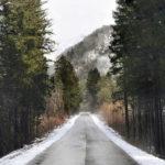 Frana a Tramonti, bloccati turisti ed abitanti. Aperto sentiero nel bosco per passaggio a piedi