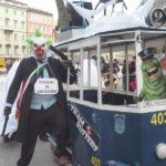 """Carnevale, si conclude mercoledì delle Ceneri col simbolico """"funerale"""". Le foto del Palio di Trieste"""
