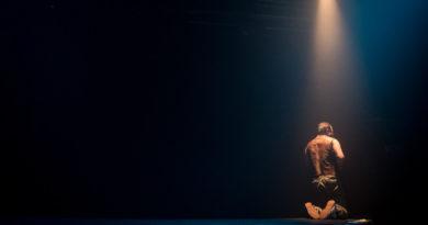 """Lo stereotipo del tradimento: al Teatro Sloveno di Trieste il """"Giuda"""" di Lot Vekemans"""