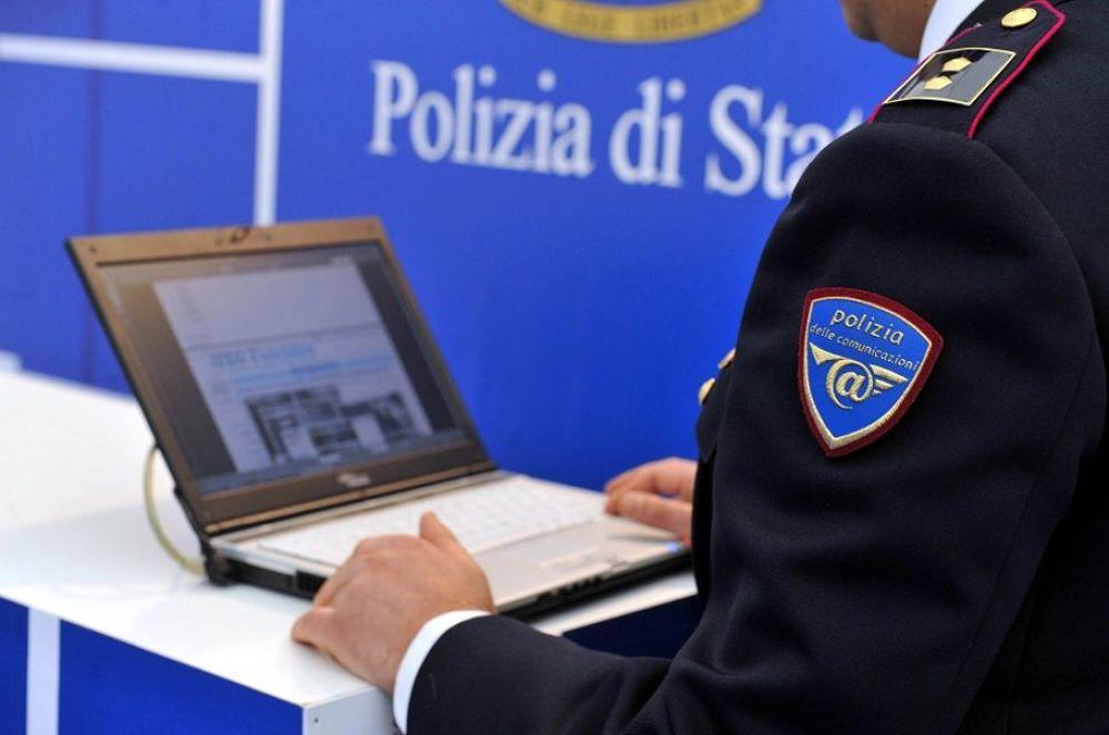 09bed6a3d0a7 Acquisti online finiti in truffa  la Polizia postale sequestra il ...
