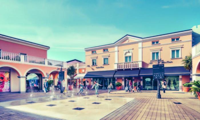 Palmanova Outlet Village: navetta gratis da Bibione, Lignano ...