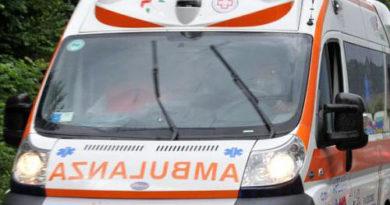 Muore una donna dopo essere stata investita da un'autovettura