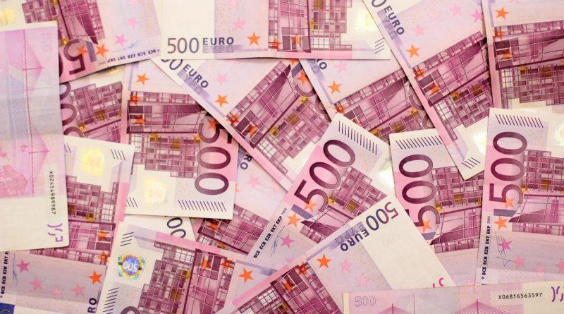 Banconote da 500 euro attraverso i valichi del Nord Est: punta dell'iceberg di maxi frode fiscale