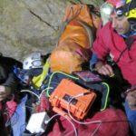 Tratto in salvo speleologo triestino ferito in grotta a 100 metri di profondità