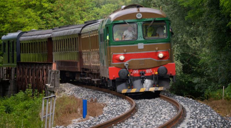 A Maniago col treno storico per la Festa del Coltello. Presentato il calendario della Sacile-Gemona