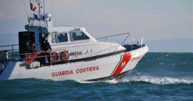 Peschereccio illegale sorpreso e sequestrato a Marano Lagunare