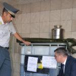 La Guardia di Finanza dona alla Caritas Trieste 2000 litri di olio extravergine sequestrato a una ditta