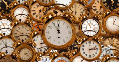 Alle tre del mattino di domenica 25 ottobre torna l'ora solare: orologi indietro di un'ora