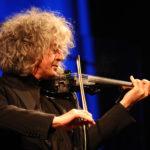 """Angelo Branduardi in concerto a Lignano con il tour Camminando Camminando """"Concerto in due"""""""