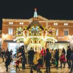 Parata di Natale e giocolieri acrobati al Palmanova Outlet Village