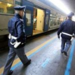 Atti di vandalismo sulla linea ferroviaria Udine-Treviso. Sassi contro treno e cemento sui binari