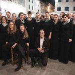Il coro Clara Schumann con Carolina Pèrez Tedesco e il gruppo vocale Vikra della Glasbena Matica al Teatro Verdi di Trieste