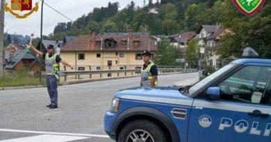 Rotta balcanica: la Polizia di Frontiera rintraccia una sessantina di migranti in Carso
