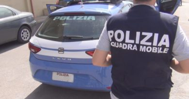 Stalker di 36 anni perseguita una minorenne: arrestato