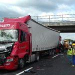 Muore conducente di autocisterna in un violento tamponamento a catena sull'A4
