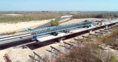 Va in pensione il vecchio ponte dell'A4 sul Tagliamento ma avrà una seconda vita