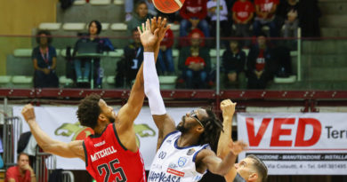La Pallacanestro Trieste perde contro l'Happy Brindisi. Le foto