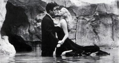"""Il Magazzino delle Idee celebra i 100 di Fellini con la nuova mostra: """"La dolce Vita – 8 e 1/2"""""""