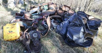 SOS Carso, un altro angolo di altipiano liberato da rifiuti antichi e recenti: le foto