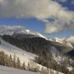 Sulle piste del Friuli Venezia Giulia è caduta altra neve. Skipass gratis per chi pernotta