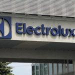 Electrolux chiede alle autorità italiane di permettere la ripartenza dell'attività produttiva