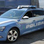 Polizia stradale, controlli su camion: intercettati un autista ubriaco e un passeur