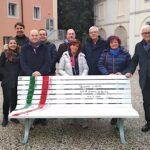 """Anche a Trieste la """"panchina della libertà di stampa"""" con i legni della tempesta Vaia"""