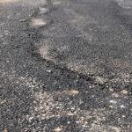 Il maltempo provoca un cedimento dell'asfalto in A4, autostrada chiusa