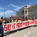 A Trieste manifestazione a favore del presidente Zeno D'Agostino destituito dall'Anac