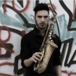 """Con """"Le nuove rotte del Jazz"""" stasera al Revoltella il Trio del sassofonista Elias Lapia"""