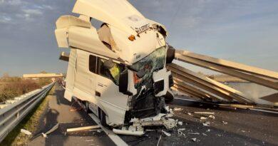 Incidente tra mezzi pesanti, chiusi due tratti dell'A4 fra Portogruaro e San Stino