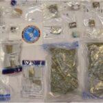 Tenta di scappare saltando dalla finestra, arrestato spacciatore con dosi per 50mila euro