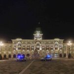 Giro in centro la mezzanotte di Capodanno a Trieste: la città deserta, video e foto