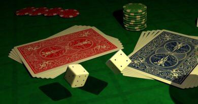 Giocavano d'azzardo ma percepivano il reddito di cittadinanza: devono restituire 160mila euro