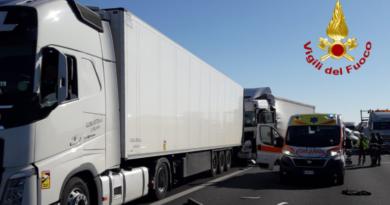 Muore conducente di TIR in un incidente in A4 tra Latisana e Portogruaro. Chiuso tratto autostradale