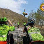 Cade dalla bici sulla ciclabile Venezia delle Nevi: trauma facciale per un giovane