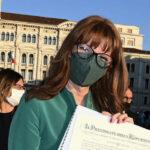 Festa della Repubblica: a Trieste in piazza Unità la consegna delle onorificenze. Una storia esemplare