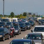 Prima giornata di esodo dei vacanzieri con traffico molto intenso sull'autostrada A4